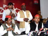Samajwadi Party chief Akhilesh Yadav addresses a press conference in Lucknow on Jan 11, 2017.