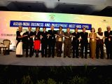 Union Commerce and Industry Minister Suresh Prabhu and MoS External Affairs V.K. Singh with Ministers from ASEAN countries during the inauguration of ASEAN – India Business and ...