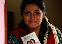 Chennai: Remya Nambeesan at tamil movie Naalu Polisum Nalla Irundha Oorum