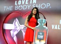 Mumbai: Jacqueline Fernandes launch The Body Shop new store