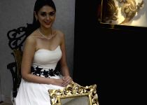 Mumbai: Aditi Rao Hydari launches jewellery collection