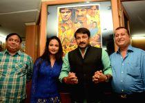 Patna: Manoj Tiwari promotes `Aurat Khilauna Nahi`