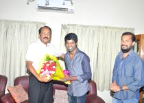 Team of Tamil film `Kathukutty` calls on Vaiko