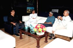Actor Kamal Haasan along with AAP leaders Sanjay Singh, Ashutosh and Somnath Bharti at his residence in Chennai on Sept 21, 2017.