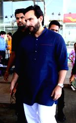 Actor Saif Ali Khan arrives at Jaipur airport on Oct 6, 2017.