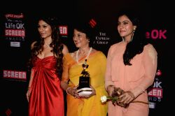 Actors Tanisha, Tanuja & Kajol during the 20th Annual Life OK Screen Awards in Mumbai, on January 14, 2014.