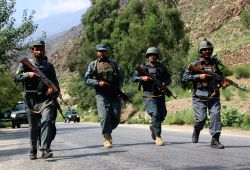 ASADABAD, Sept. 26, 2017 - Afghan policemen take part in a military operation against Islamic State (IS) militants in Wata Pur district of eastern Kunar province, Afghanistan, Sept. 25, 2017. Afghan ...