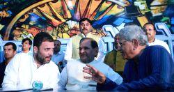 Congress Vice President Rahul Gandhi, CPI(M) general secretary Sitaram Yehchury and former JD(U) chief Sharad Yadav during the Sanjhi Virasat Bachao programme in New Delhi on Aug 17, 2017.