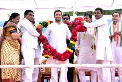 Congress Vice President Rahul Gandhi during  Yuva Rojgar Khedut Adhikar Navsarjan Yatra in Dahod, Gujarat on Oct 11, 2017.