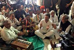 Congress vice president Rahul Gandhi participates in bhajan at Kabir Temple in Dahod, Gujarat on Oct 11, 2017.