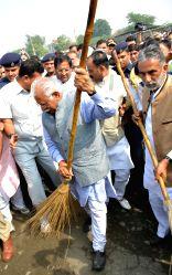 Faridabad: Haryana CM Manohar Lal Khattar launch Swachh Haryana website