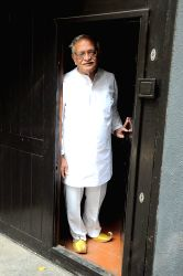 Gulzar at Salim Arif's tribute, Prithvi.