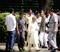 Gursharan Kaur, the wife of former Prime Minister Dr Manmohan Singh at 10 Rajaji Marg to pay tribute to former president APJ Abdul Kalam in New Delhi, on July 28, 2015. The former ...