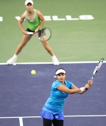 India s Sania Mirza and her S And Sania Mirza In Action