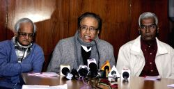 New Delhi: Communist Party of India (CPI) leader D. Raja, Shameem Faizee and S.Sudhakar Reddy addressing a press conference in New Delhi on Jan. 24, 2015.