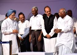 New Delhi: Former prime minister and Congress leader Dr. Manmohan Singh, Union Minister for Science and Technology and Earth Sciences Harsh Vardhan, CPI leader D. Raja, Congress leader Ghulam Nabi ...