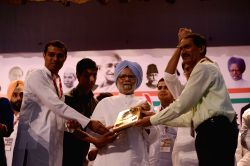 New Delhi: Former prime minister and Congress leader Manmohan Singh during `Drishtikon` - NSUI convention in New Delhi, on May 27, 2015.