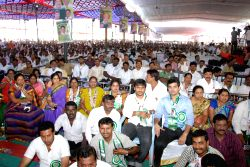 People during a JD-S public meeting at Maharajas College Grounds in Mysore on Feb.9, 2014.