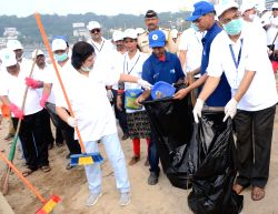 SBI chairperson Arundhati Bhattacharya participates in a cleanliness programme at Girgaum beach in Mumbai, on Oct 2, 2017.