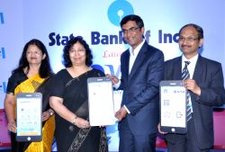 SBI Chief General Manager Rajni Mishra, Deputy Managing Director (CS and NB) Manju Agarwal, Chief General Manager (CS and NB) Ravi Prakash and VISA India and South Asia Group Country ...
