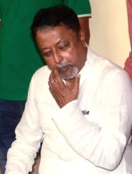 Senior Trinamool Congress leader Mukul Roy addressing the media in Kolkata on Sept. 25, 2017. Mukul Roy, once the right hand man of Chief Minister Mamata Banerjee, announced his decision to ...