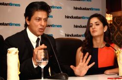 Shahrukh Khan and Katrina Kaif at the Hindustan Times Leadership Summit,in New Delhi (Photo:IANS/Amlan)