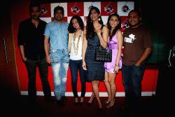 - sonam-kapoor-with-aisha-team-with-rj-anurag-16216
