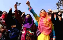 Srinagar: Students demand deferring of medical examinations