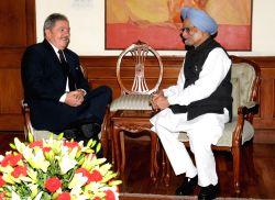 The former President of the Federative Republic of Brazil, Mr. Luiz Inacio Lula da Silva meeting the Prime Minister, Dr. Manmohan Singh, in New Delhi on November 23, 2012.