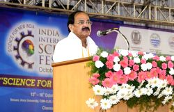 Vice President M. Venkaiah Naidu addresses at the valedictory session of 3rd India International Science Festival – 2017 organised by the Ministry of Science and Technology and Earth ...