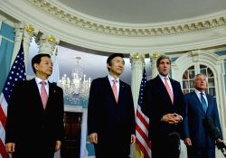 Washington D.C.: U.S. Secretary of State John Kerry attend a joint news conference