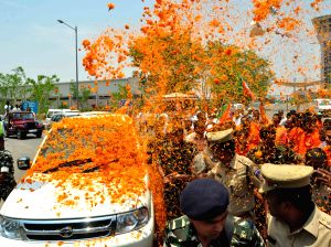 Amit Shah arrives in Hyderabad