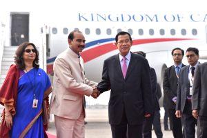 Cambodian PM arrives in Delhi