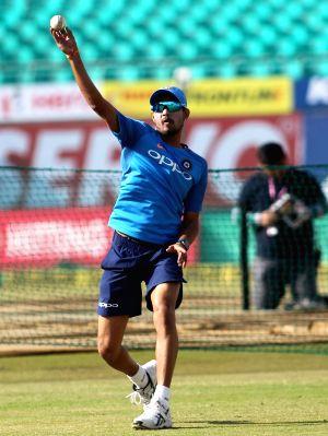 India - practice session - Siddharth Kaul