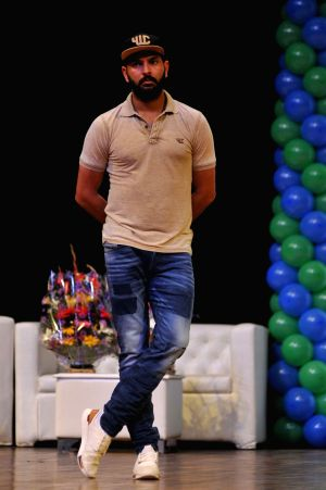 Yuvraj Singh launches mobile app