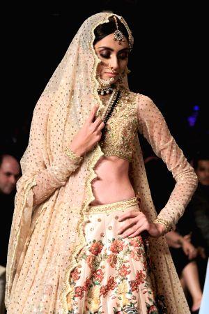 PAKISTAN-LAHORE-BRIDAL-FASHION WEEK-NOMI ANSARI