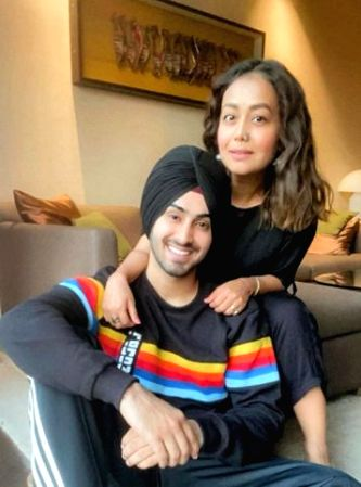 Neha Kakkar makes relationship with Rohanpreet Instagram-official