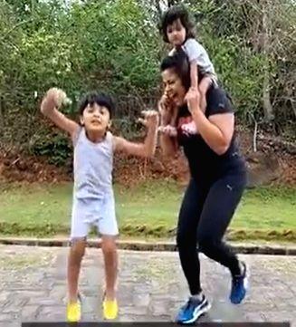 Sameera Reddy posts fitness video for fans ( Credit : Sameera reddy/instagram)
