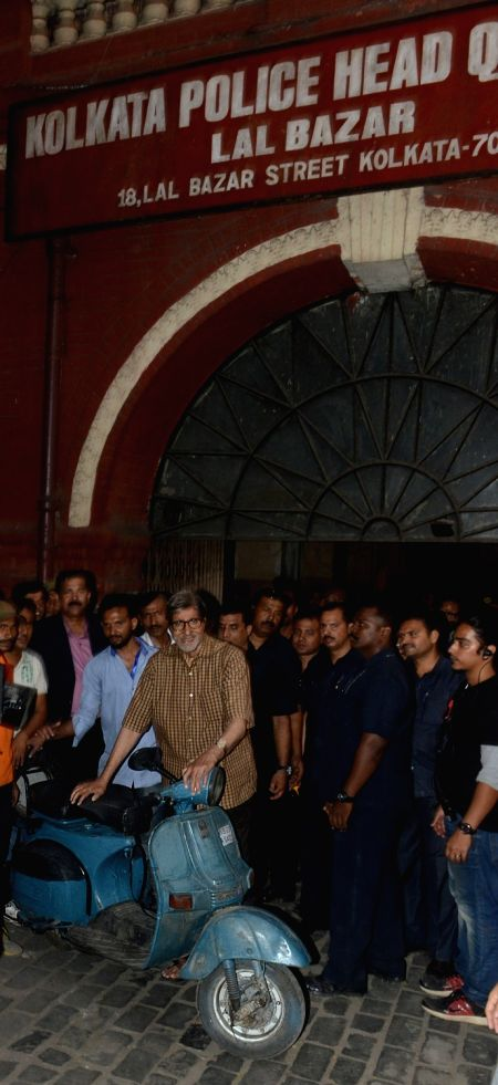 Actor Amitabh Bachchan  during the shooting of his upcoming film in Kolkata on Nov 27, 2015.