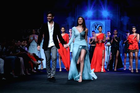 Lakme Fashion Week Summer/Resort 2017 Grand Finale - Fashion Designer Karn Malhotra