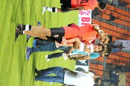 Indian team Vs Celebrity team football match - 4