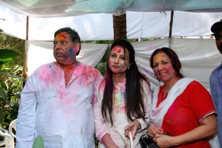 David Dhawan play Holi at Azmi House.