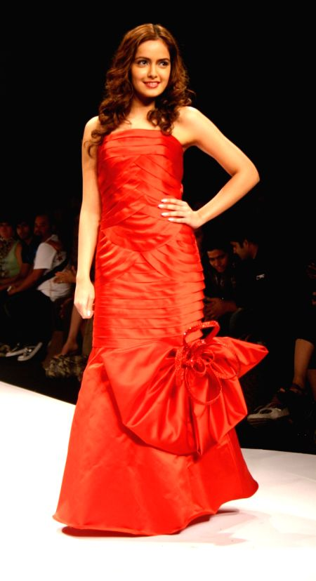 Designer Amit Gt 39 S Show At The Wills Lifestyle India Fashion Week In New Delhi On Tuesday 27 Oct