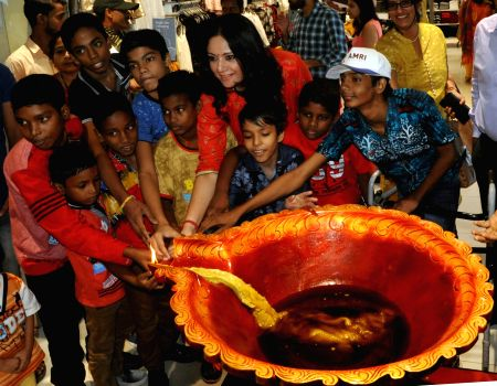 Agnimitra Paul celebrates Diwali with kids