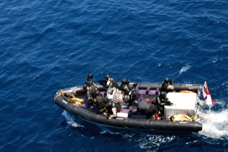 Indian naval ship thwarts piracy attempt on Indian merchant vessel (Lead) ()