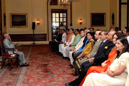 President Mukherjee meets delegates of Global Coalition Against TB