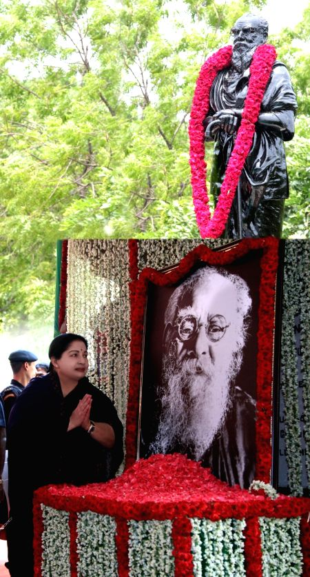 Tamil Nadu Chief Minister J Jayalalithaa pays tribute to Thanthai Periyar in Chennai, on May 20, 2016. - J Jayalalithaa