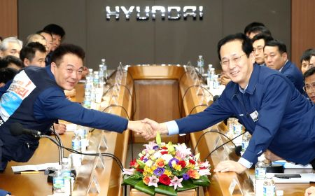 Hyundai Motor's management, labor union sign wage deal