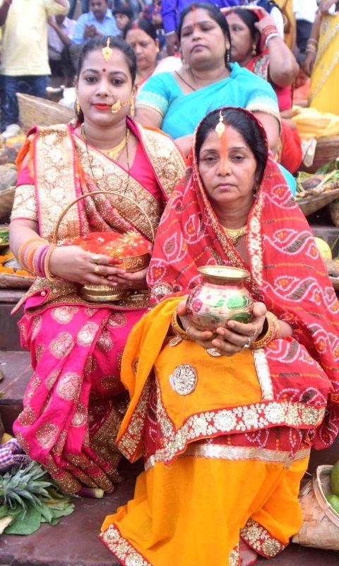 /photos/chhath-puja-festival-photos.html#photo