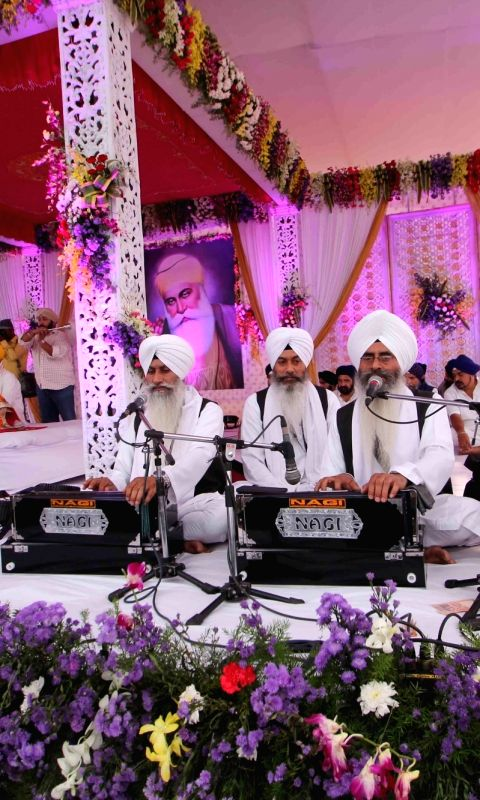 /photos/guru-nanak-jayanti-celebration-photos.html#photo